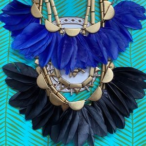 Stella & Dot Plume necklace reversible blue/black